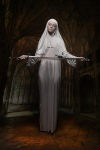 Nonne with Sword_2402